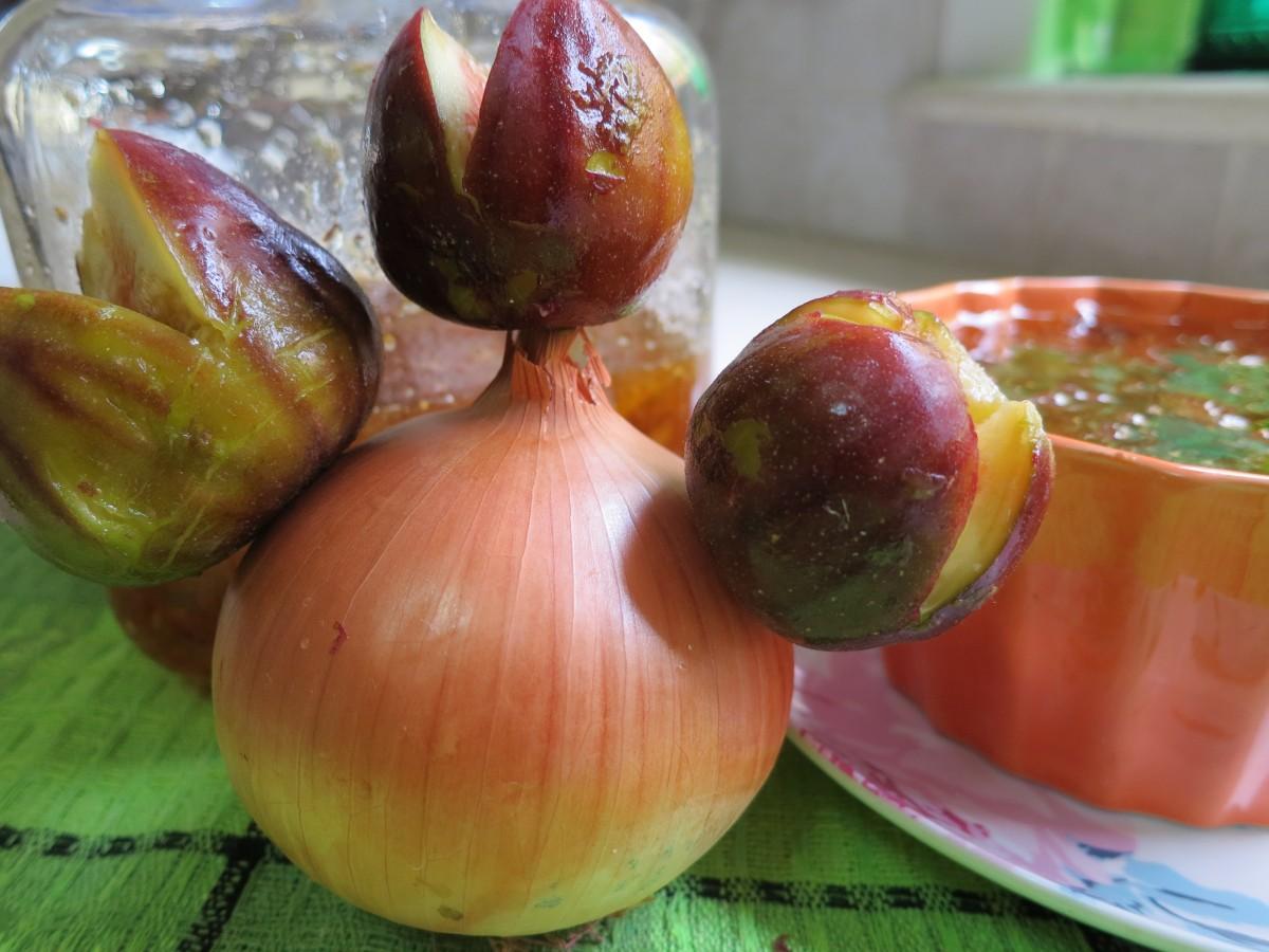 קונפיטורה תאנים בצל - עם נגיעות הדרים וצ'ילי