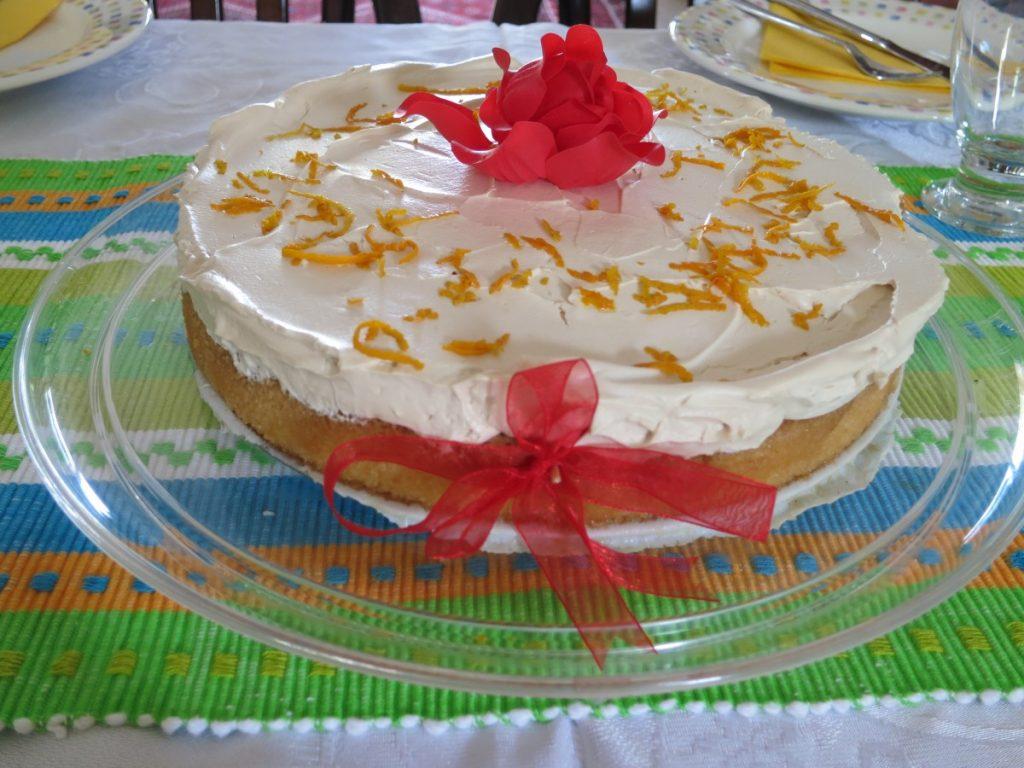 עוגת סברינה חגיגית - אפשר גרסת פרווה - דינה דיש