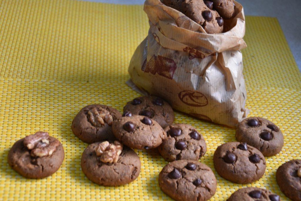 עוגיות אגוזים שוקולד - פרווה