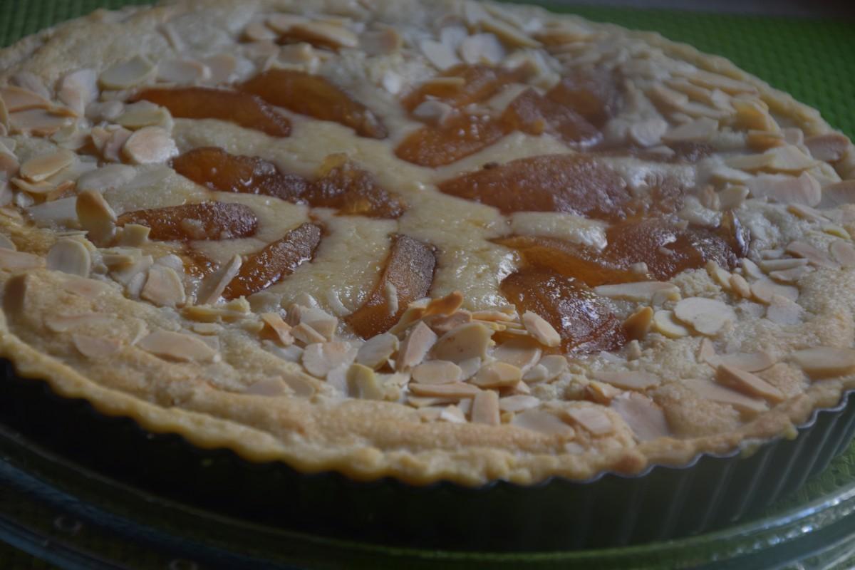 טארט תפוחים בניחוח רוזמרין שקדים - דינה דיש