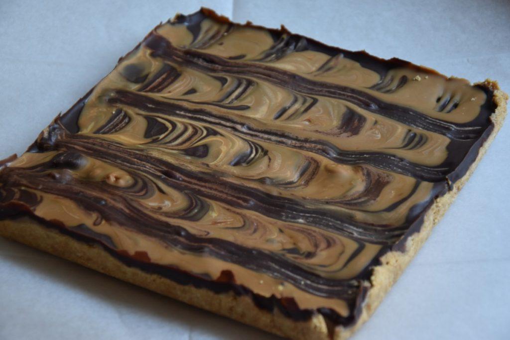 עוגת שחיתות שוקולד לוטוס - דינה דיש