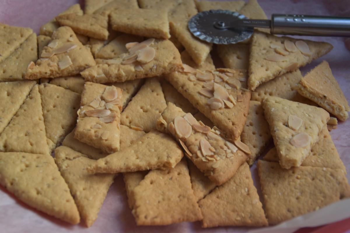 עוגיות אניס של פעם - פרווה - דינה דיש